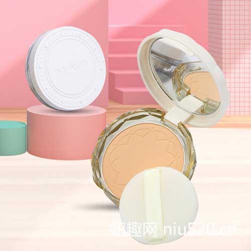 如何正确使用粉饼,让妆效持久