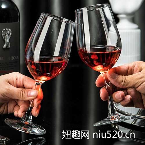 如何挑选红酒杯